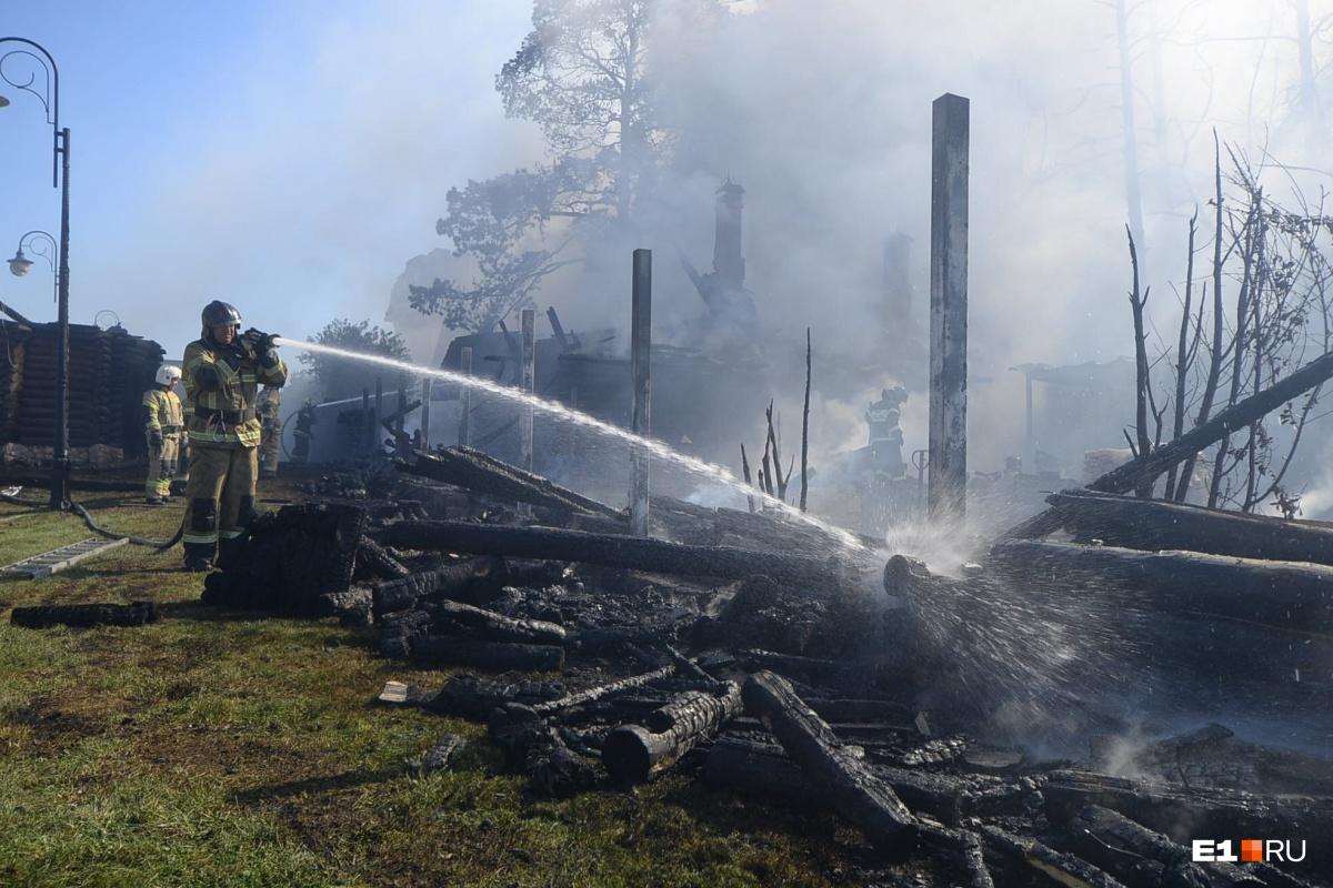 Площадь пожара составила 300 квадратных метров