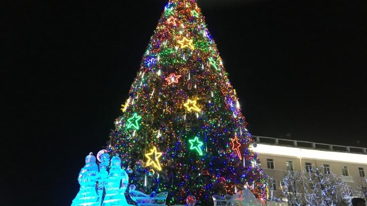 Украшено более трех тысяч объектов: в Кургане почти закончена подготовка к Новому году
