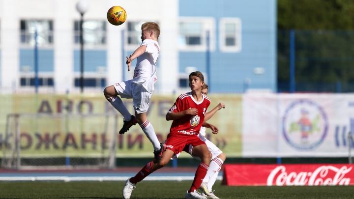 В погоне за «Кожаным мячом»: футболисты из Котласа стали финалистами российского юношеского турнира