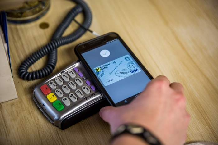 Android Pay стал доступен новосибирцам