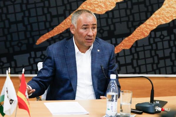 Гендиректор клуба Борис Видгоф так и не назвал конкретных цифр, но рассказал о механизме расчётов с игроками «Трактора»