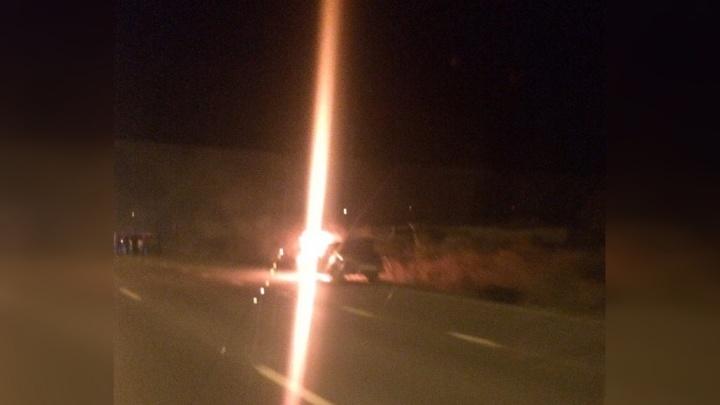 Из-за неисправности топливной системы на тюменской объездной загорелась легковушка