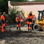 Фонтан кипятка из-под земли: на Циолковского в Тюмени произошёл крупный прорыв