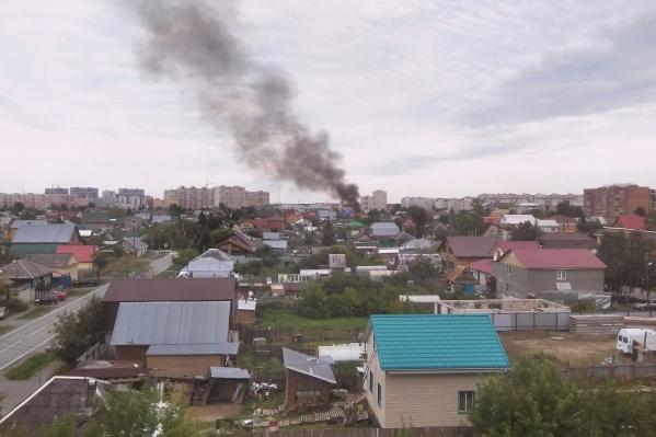 В районе Червишевского тракта довольно большой частный сектор, где нередко случаются пожары