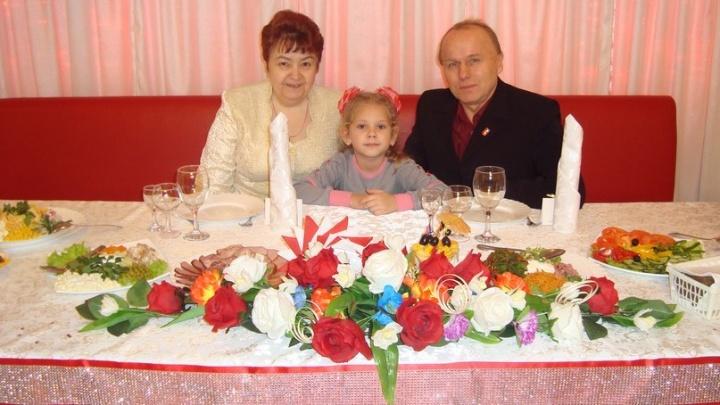 «Муж давно хотел дочку»: красноярская пара воспитала 23 приёмных ребенка