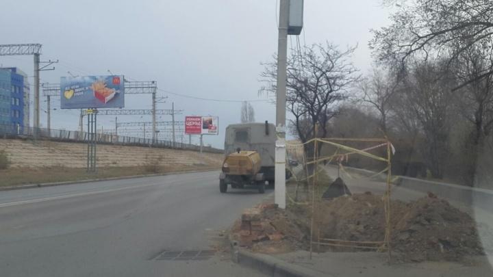 Думали, что «эхо войны»: в Волгограде рабочий пострадал при взрыве кабеля «Безопасного города»