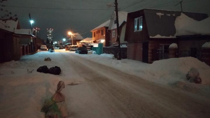 «Не вывозят почти две недели»:жители Ленинского района пожаловались на перебои с вывозом мусора
