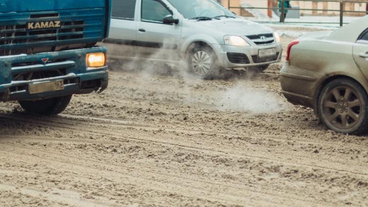 В Самаре предложили запретить движение грузовиков во время снегопада