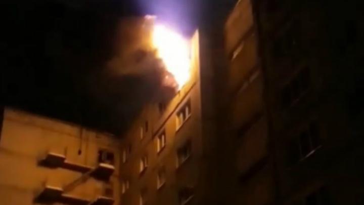 В Нефтекамске из-за пожара эвакуировали 56 жильцов многоэтажки, в их числе четыре грудничка