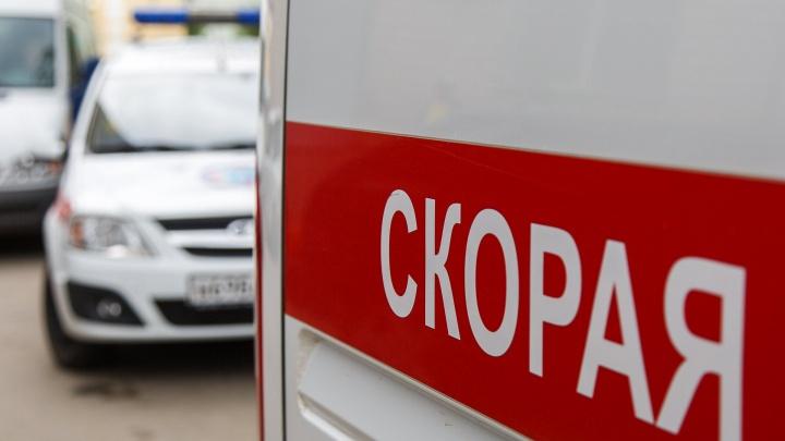 «Госпитализирована с травмами»: под Волгоградом легковушка выехала на встречку и сбила школьницу