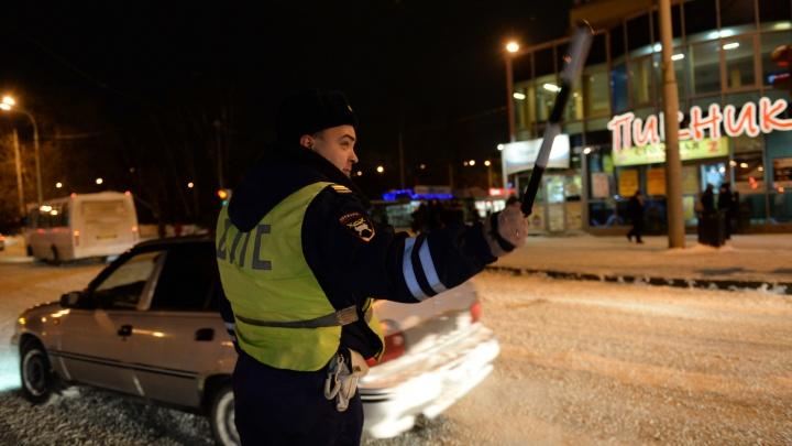 В Екатеринбурге женщина-водитель снесла шесть машин и попала в больницу