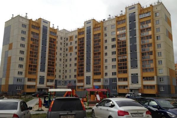 Дома в микрорайонах новые, но деньги на их ремонт собирать начали заранее