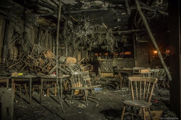 Так выглядел клуб «Хромая лошадь» после пожара