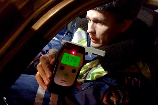 Мужчина четырежды попался инспекторам пьяным за рулем