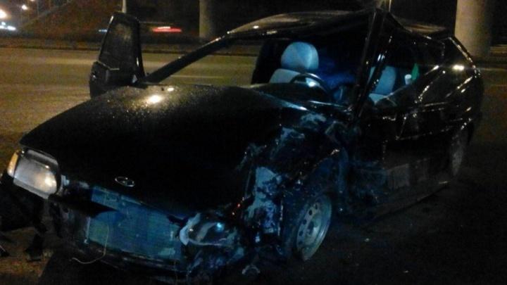 Три автомобиля столкнулись ночью в Уфе