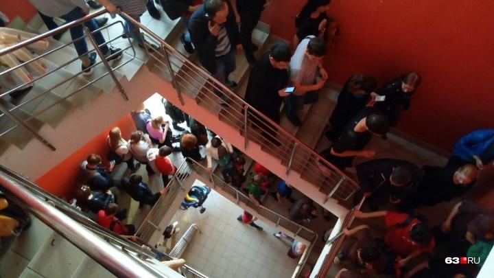 После тревожного звонка из ТРК «Вива Лэнд» экстренно эвакуировали посетителей