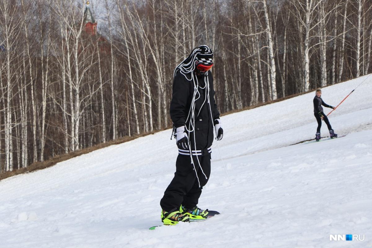 Прокат сноубордов в «Печерском каньоне» —от 450 рублей. На время тестового режима действуют скидки