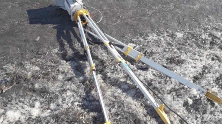 Житель Омска повредил «треногу» на «горбатом» мосту
