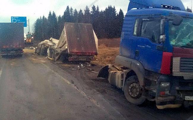 Виновник смертельной аварии на трассе Пермь — Екатеринбург получил три года колонии