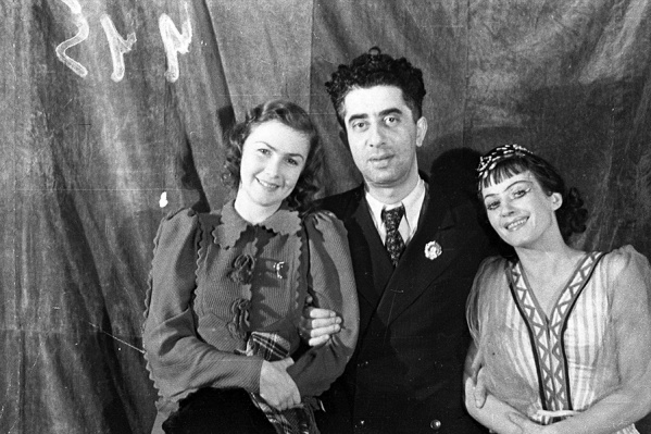 Артистка балета Ксения Златковская, Арам Хачатурян и артистка Татьяна Вечеслова. Пермь, 1942 год