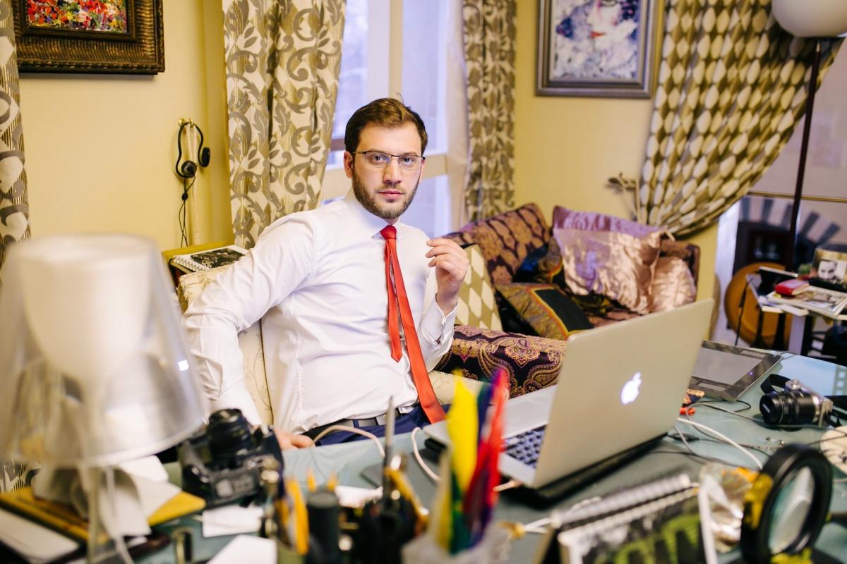 О прекращении вывода и приема денег в«Кэшбери» объявил Артур Варданян, руководитель компании