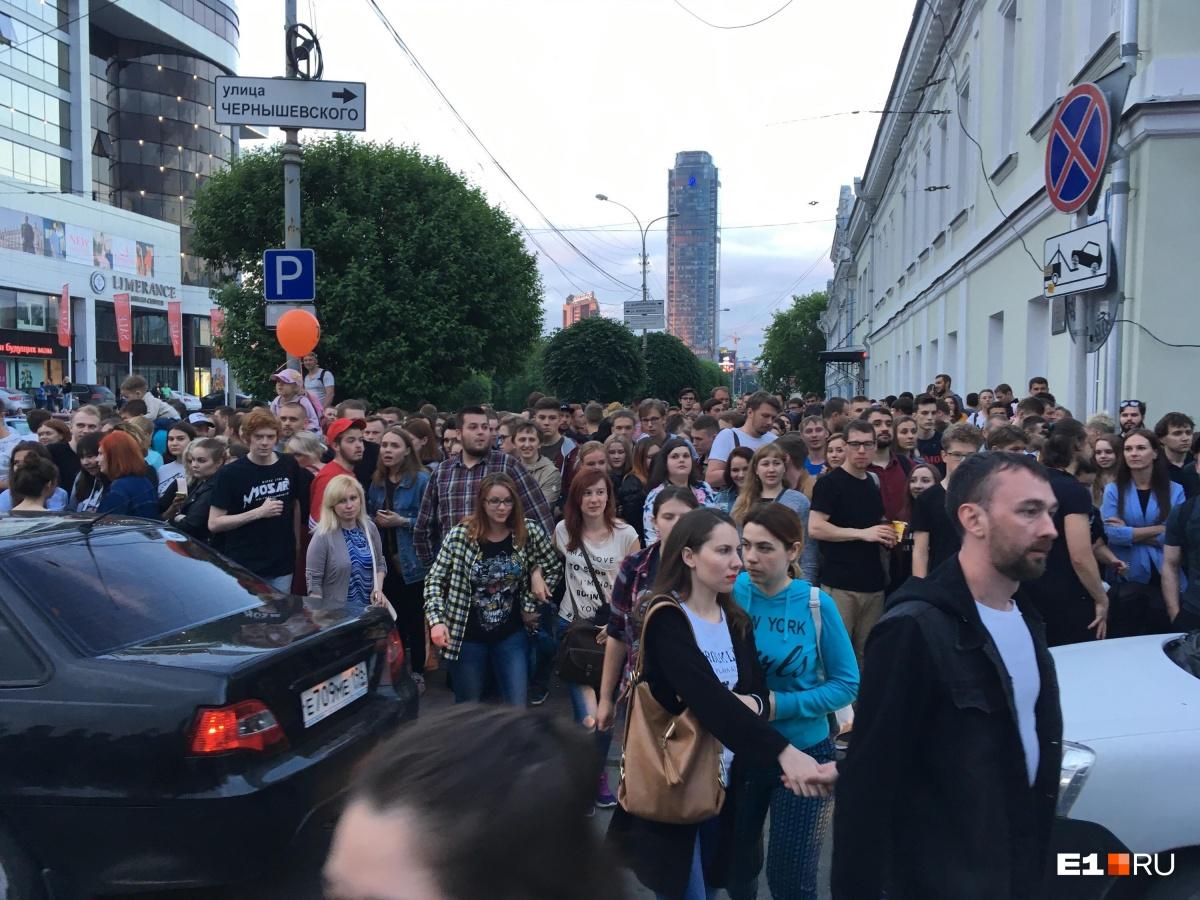 Дорогие организаторы, улицы все же НАДО было перекрыть