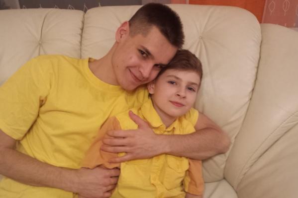 Пять лет назад старший брат Михаил стал донором для младшего Никиты