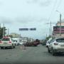 Иномарка опрокинулась на крышу посреди Свердловского проспекта