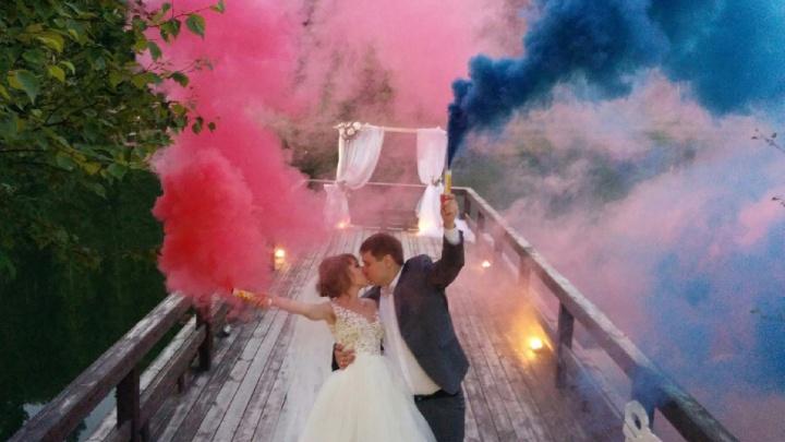 «Подхватили кишечную палочку»: в Перми молодожены требуют наказать кейтеринг за испорченную свадьбу