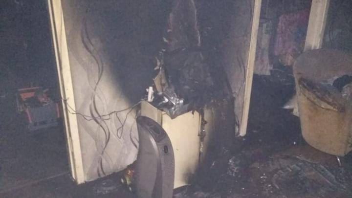 Под Шарыпово в пожаре погибла молодая семья из трех человек