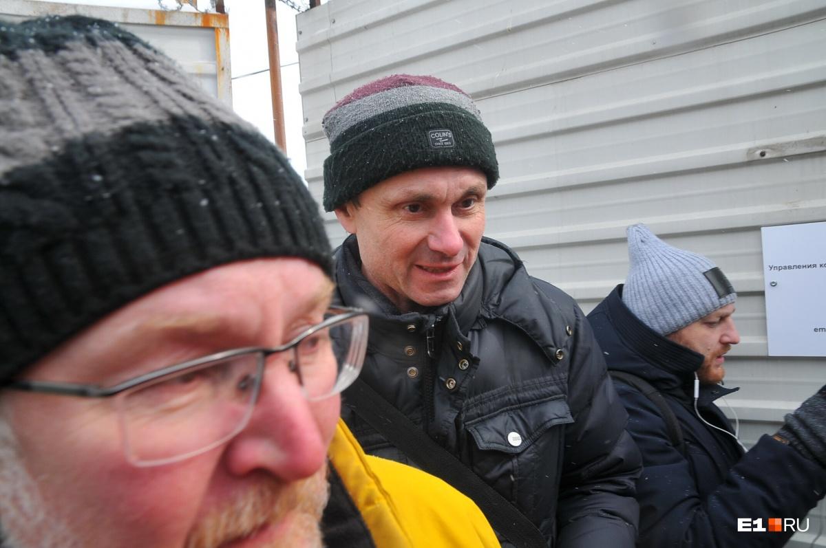 Это Алексей —отец руфера Станислава