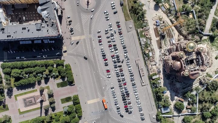 «Будут собирать подписи»: смотрим на новую разметку в центре Волгограда с высоты
