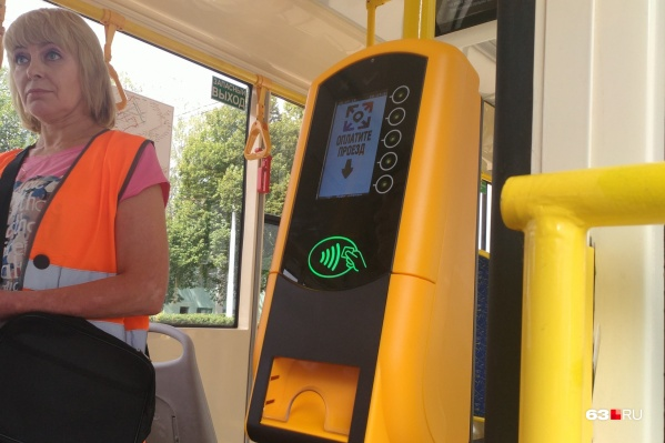 Валидаторы должны повысить платёжную дисциплину пассажиров, считают в городском дептрансе. Но кондукторы пока всё равно будут следить, все ли оплатили проезд
