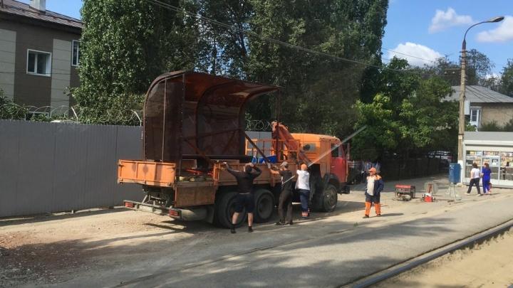 Нашлась потеряшка: рядом с заводом «Ахтуба» в Волгограде ставят новую остановку