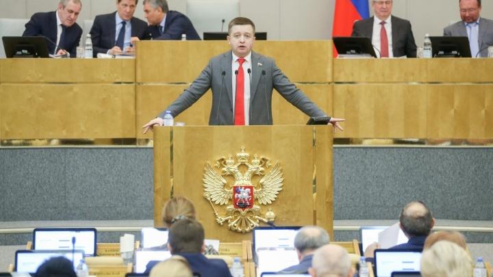 «Проблема — губернатор»: ЛДПР может сменить куратора Волгоградской области после скандала в Госдуме