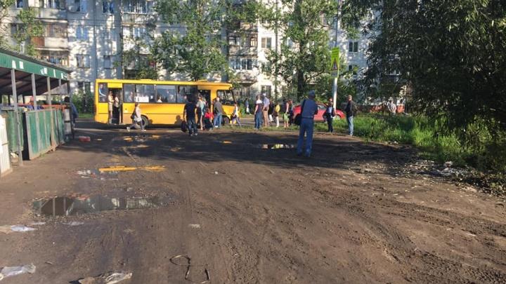 Из-за пробок в Брагино власти попросили водителей отказаться от машин. Водители не в восторге