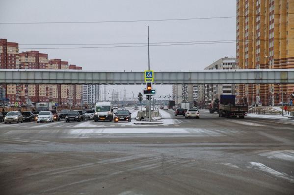 По словам дорожников, открытие этой дороги разгрузило движение транспорта в обе стороны