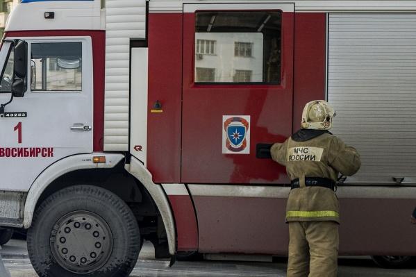 Спасатели оказали пострадавшему доврачебную помощь. Сейчас он находится в реанимации