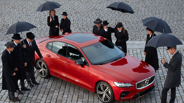 Он перепишет историю вождения: самарцы покупают Volvo S60 по предзаказу