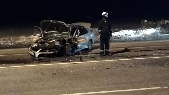 «Обе машины в хлам»: возле Туношны в ДТП попало такси