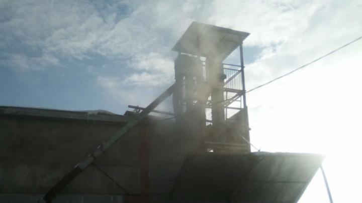 Семечки сожгли: в Башкирии загорелась зерносушилка