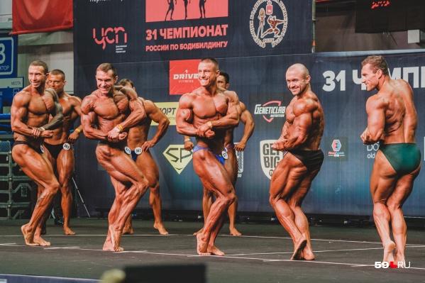 На чемпионате выступают мужчины, но не только