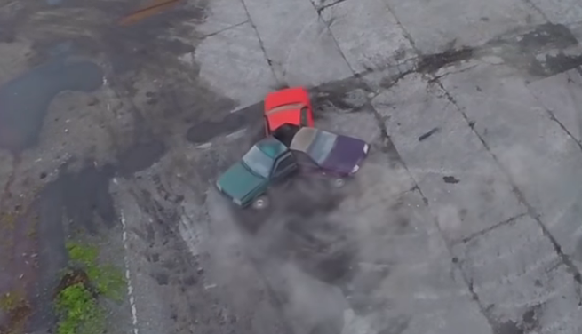 Новосибирцы распилили три авто и соорудили спиннер