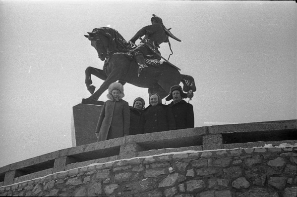 На этом снимке памятник Салавату Юлаеву запечатлен в 1973 году