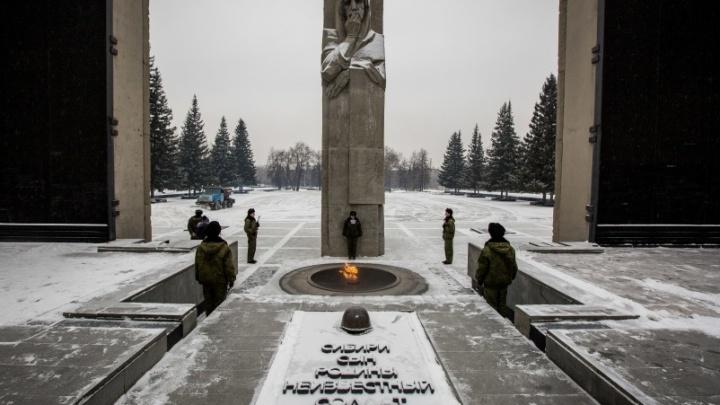 В мэрии рассказали, когда на Монументе Славы снова зажгут Вечный огонь