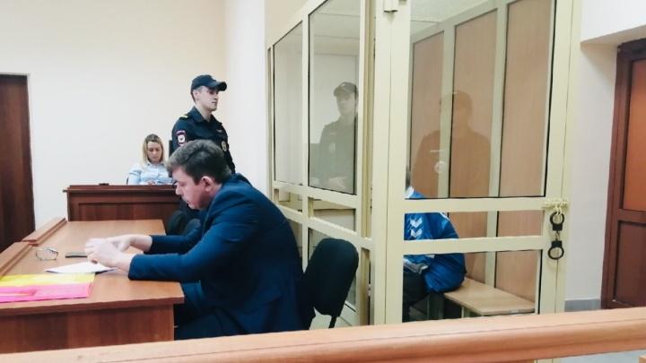 Пенсионера, перерезавшего трос промальпинисту, отправили под арест. Он считает ЧП недоразумением