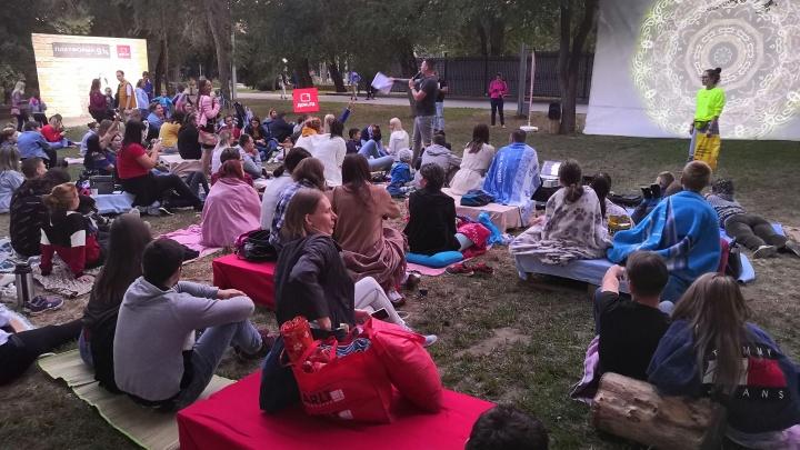 «Сумерки приходят намного раньше»: в Волгограде передвинули киносеансы под открытым небом