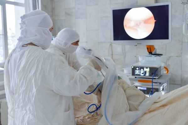 Главврач КМХЦВадим Бережной считает, что новое оборудование уникально не только для медучреждения, но и для Омской области в целом