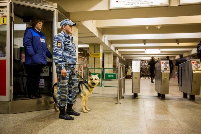 Контролеры метрополитена теперь будут участвовать в досмотре пассажиров