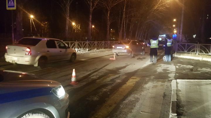 На Юго-Западе Toyota сбила двух женщин с коляской, в которой везли 2-летнюю девочку